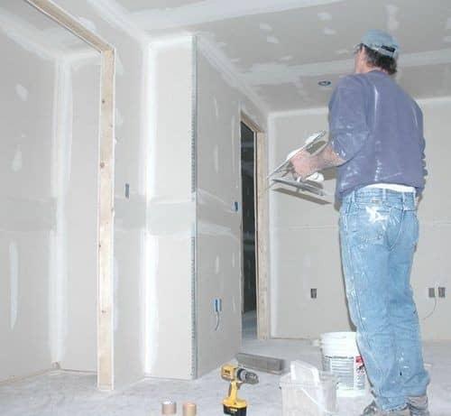 Покраска шпаклеванных стен